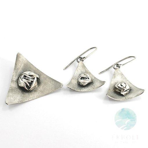 Felületkezelt ezüst medál és fülbevaló szett 69528
